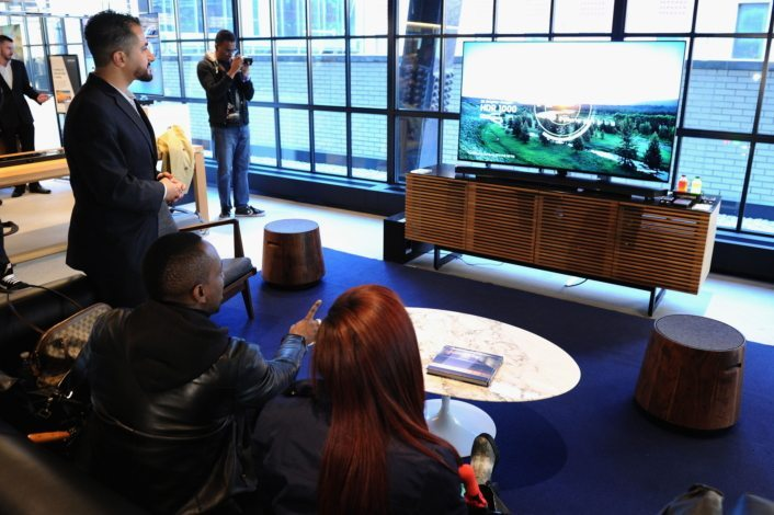 Samsung Electronics America, announced the availability and pricing for its 2016 line up, including SUHD TVs.(Source=Samsung Elec.)
